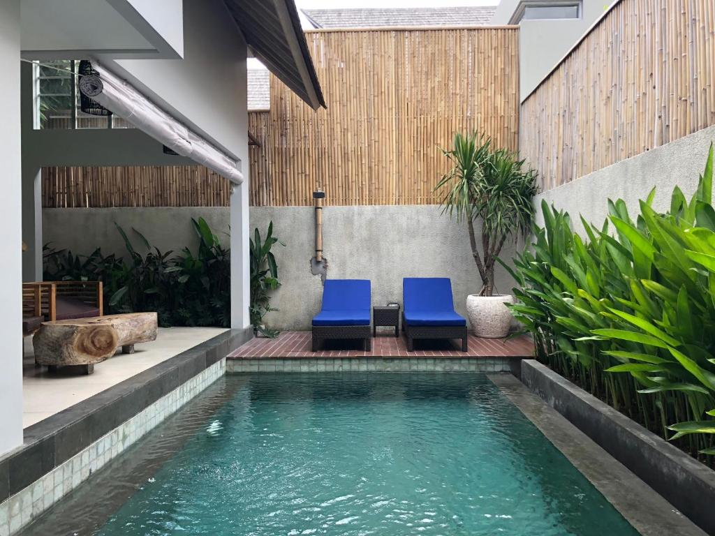The swimming pool at or near The Loft Villas Echo