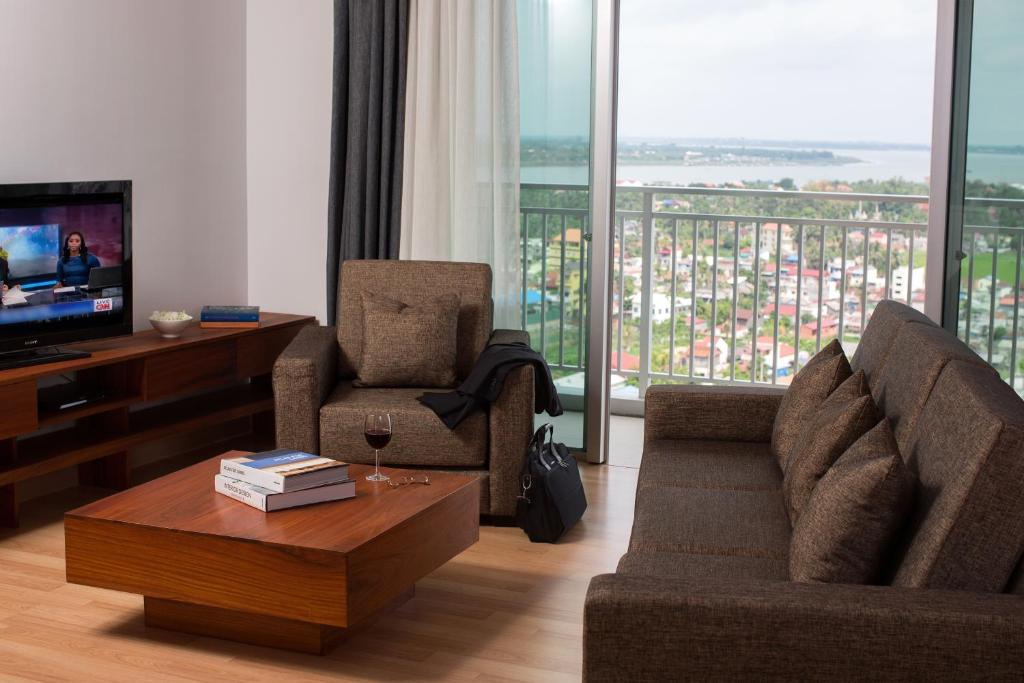 A seating area at Bellevue Serviced Apartments