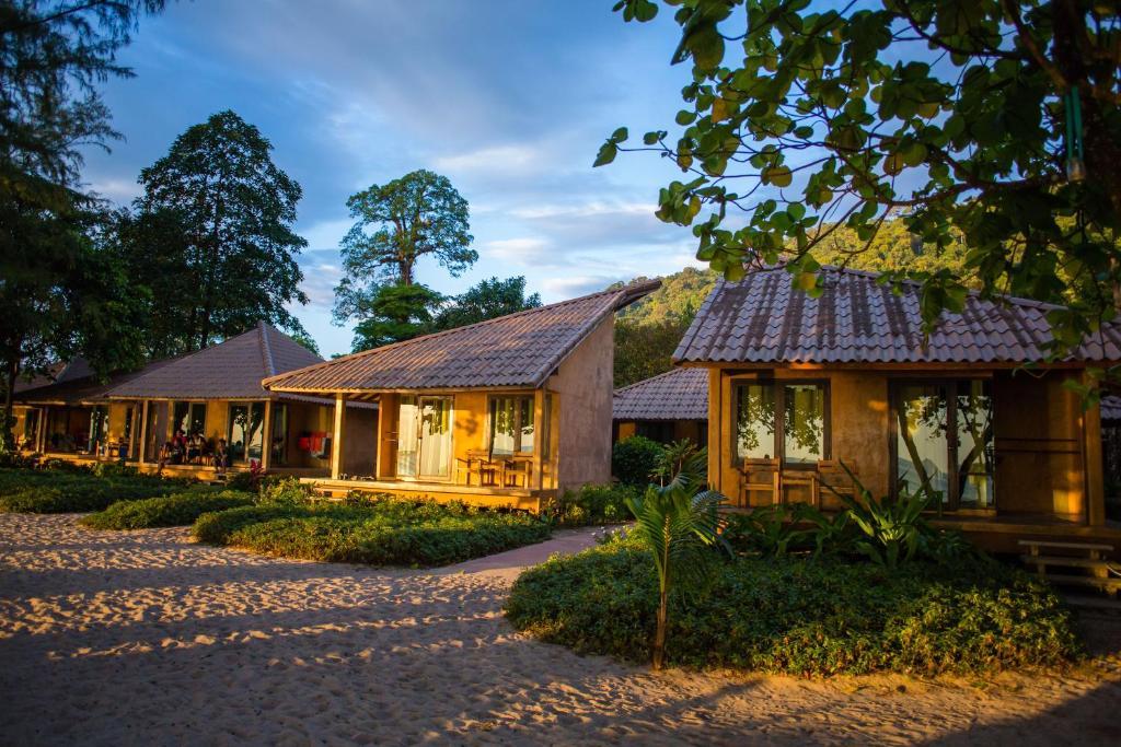 Resort Flora I Talay Ko Chang Thailand Booking Com
