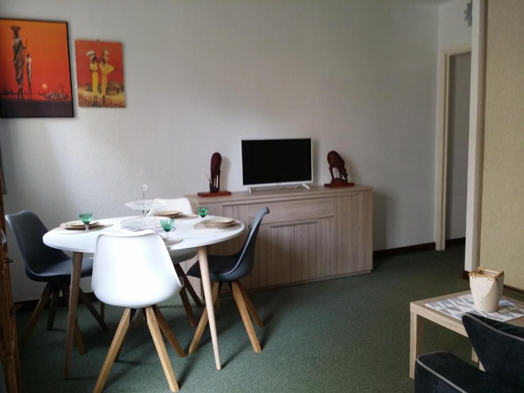 apartment le méditerranée, menton, france - booking