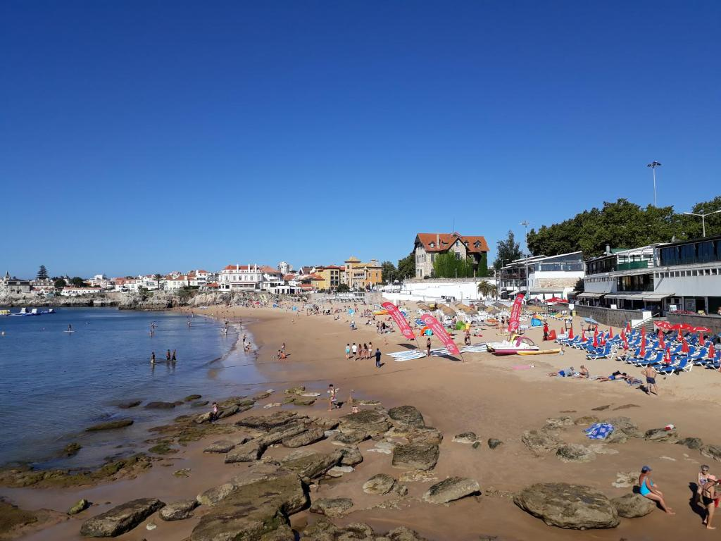 The Sandy Bay, Cascais