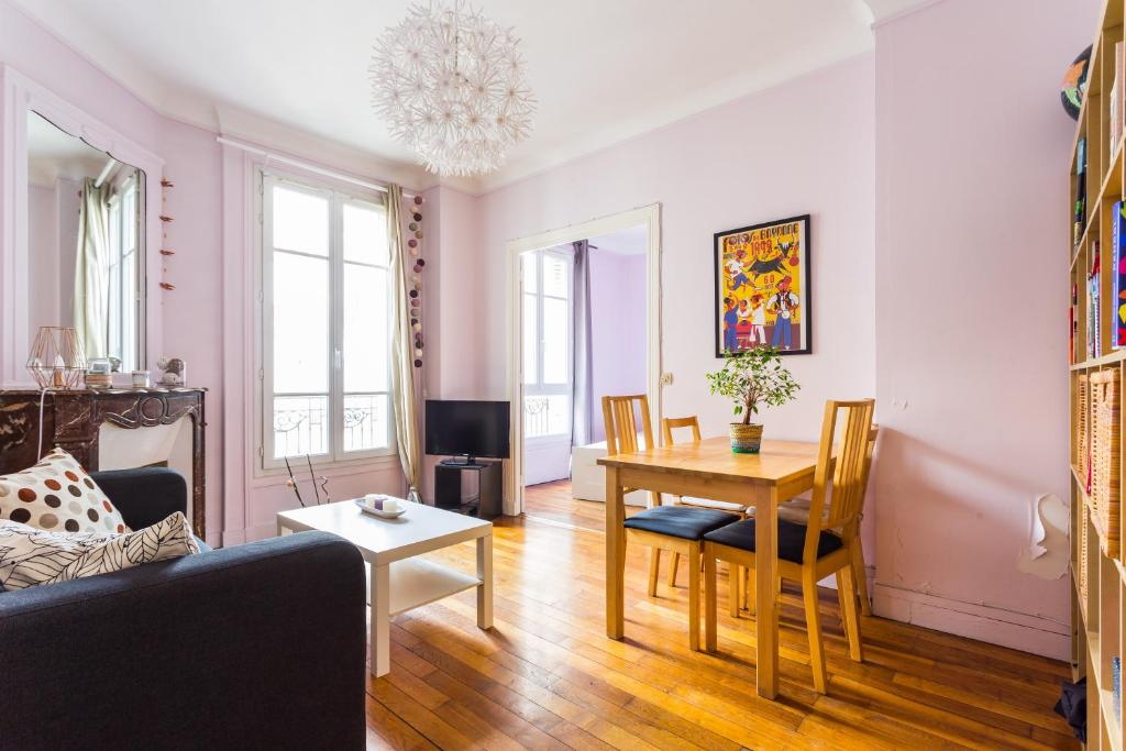 Cute and colourful apartment near Bercy, Parigi – Prezzi aggiornati ...