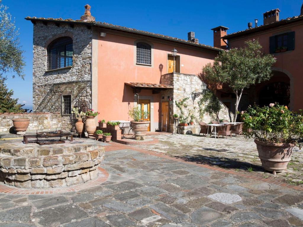 Apartment Locazione Turistica La Terrazza su Firenze, Giogoli, Italy ...