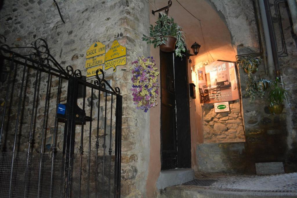 Apartment La Camera Dal Ponte, Dolceacqua, Italy - Booking.com