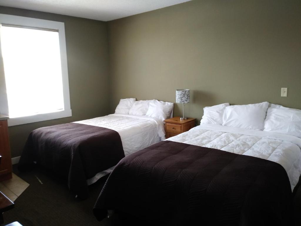 Royal duke hotel okotoks canada booking gallery image of this property reheart Images