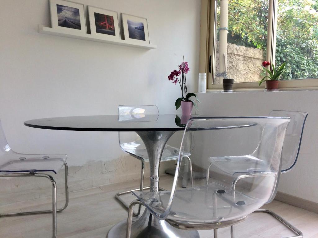 Charmante maison de ville avec jardin avignon france booking com