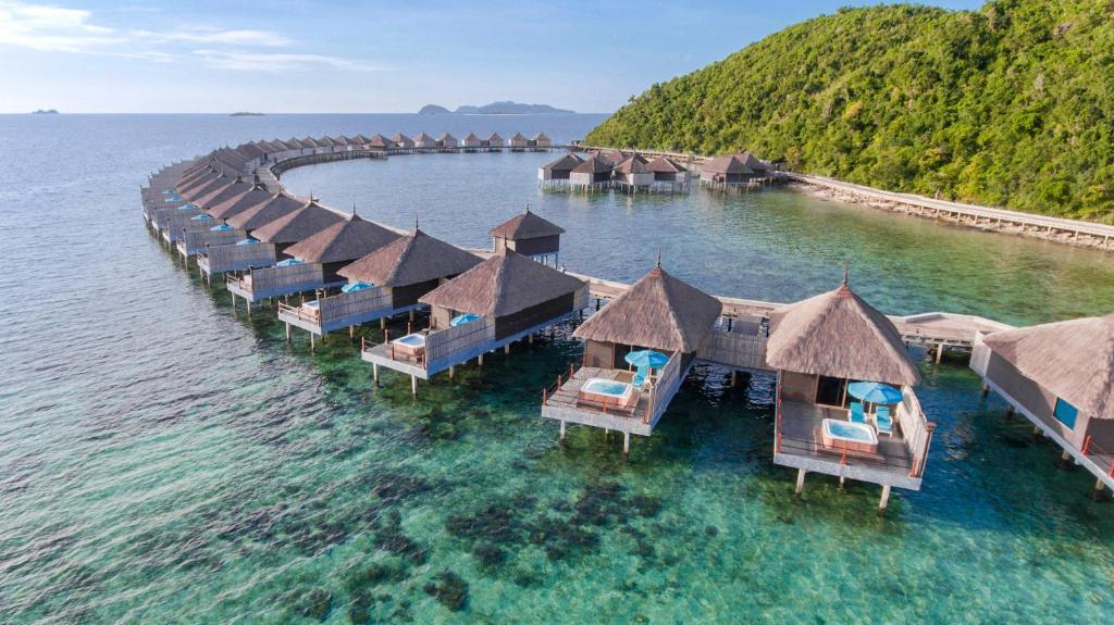 Huma Island Philippines ile ilgili görsel sonucu