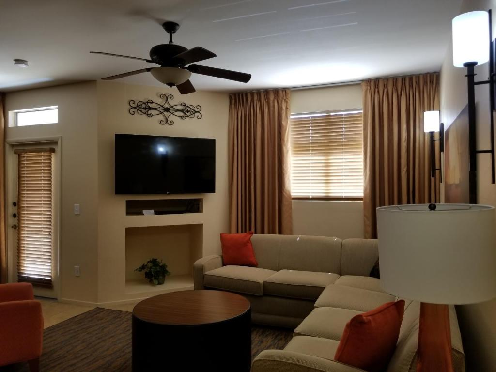Apartment Suites at the Cliffs Peace Canyon, Las Vegas, NV - Booking.com
