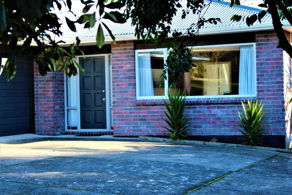 Vacation Home Zen Home, Rotorua, New Zealand - Booking.com on best house designs in the philippines, zen houses in philippines, bungalow house designs philippines, cheap house lot sale philippines, simple modern homes philippines, modern houses in the philippines, modern house plans in philippines, zen design in taguig philippines, big houses in the philippines, zen house floor plan, style house in the philippines, modern home designs in the philippines, native houses in the philippines, exterior house designs in philippines, dasmarinas cavite philippines, small apartment floor plan philippines, style house designs philippines, new homes in philippines, modern zen house philippines,