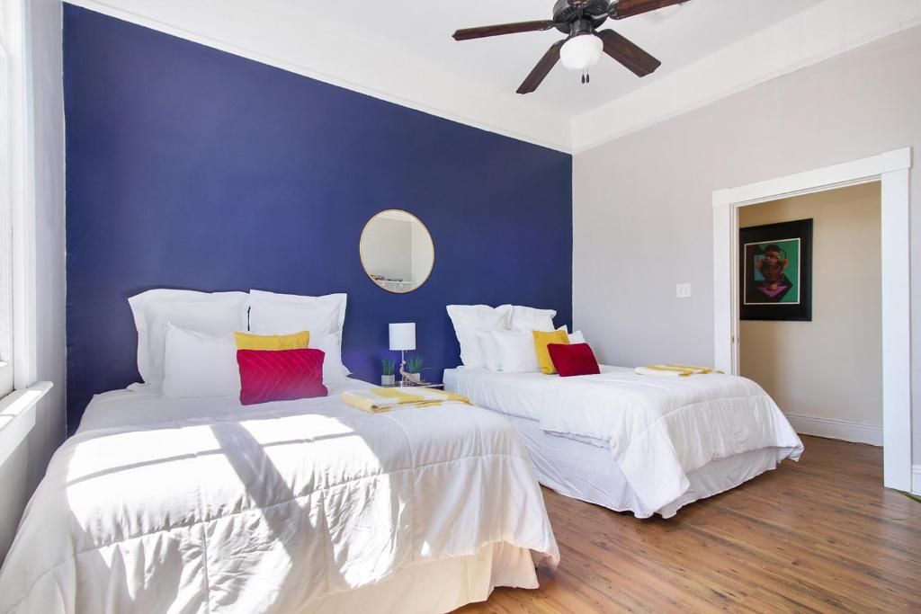 Vacation home 2 bedroom apt near trolley convention - Hotels in new orleans with 2 bedroom suites ...