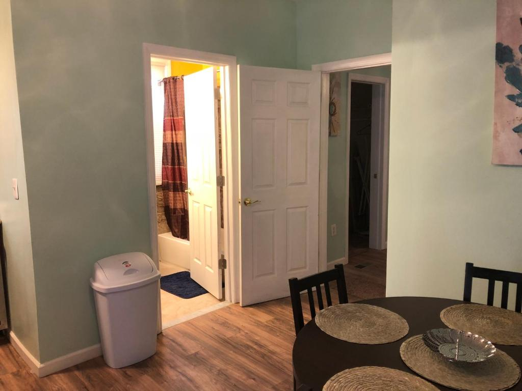 Gallery Image Of This Property 30 Photos Close Nice 1 Bedroom Apartment