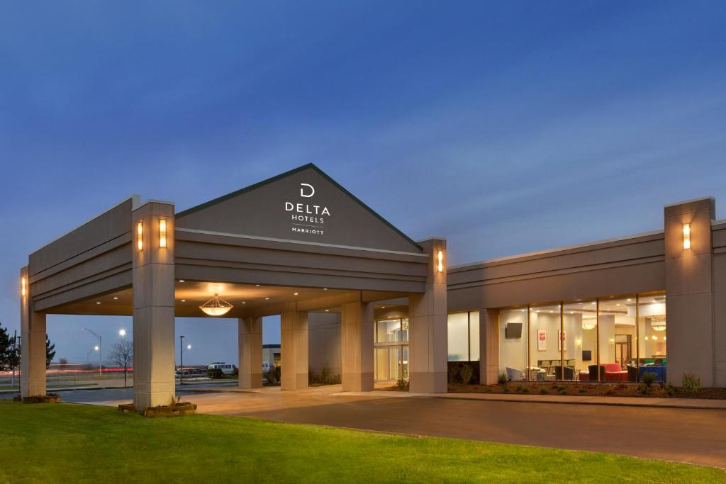 Delta Hotels By Marriott Detroit Metro Airport Reserve Now Gallery Image Of This Property