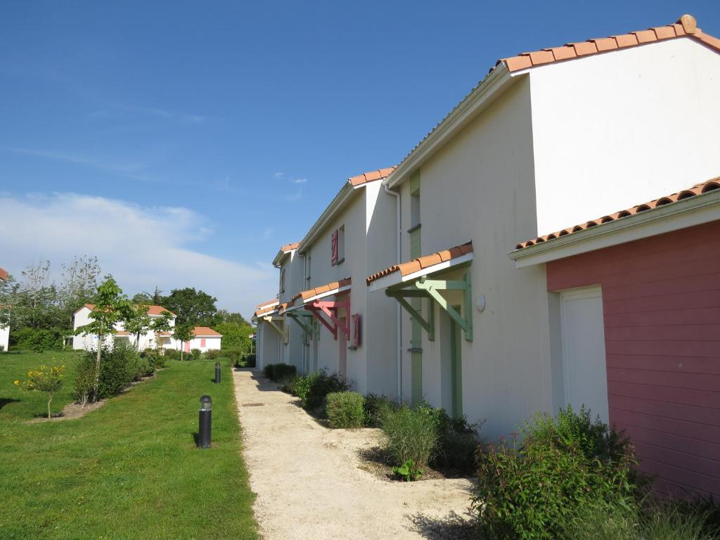 Hotels In Saint-avaugourd-des-landes Pays De La Loire