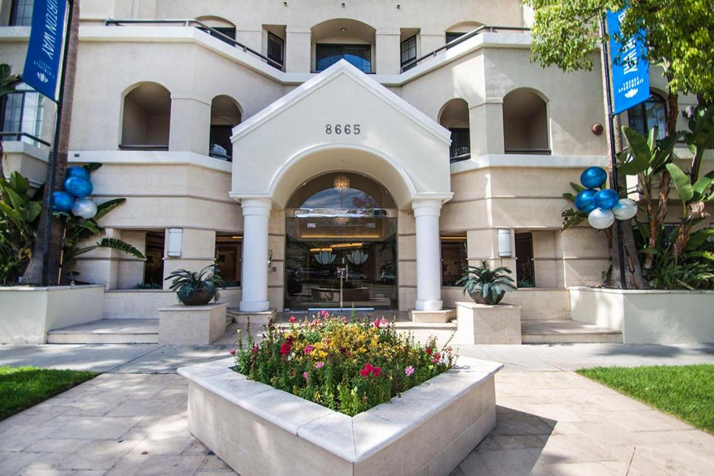 Bev Hills Apartment Los Angeles Ca Bookingcom