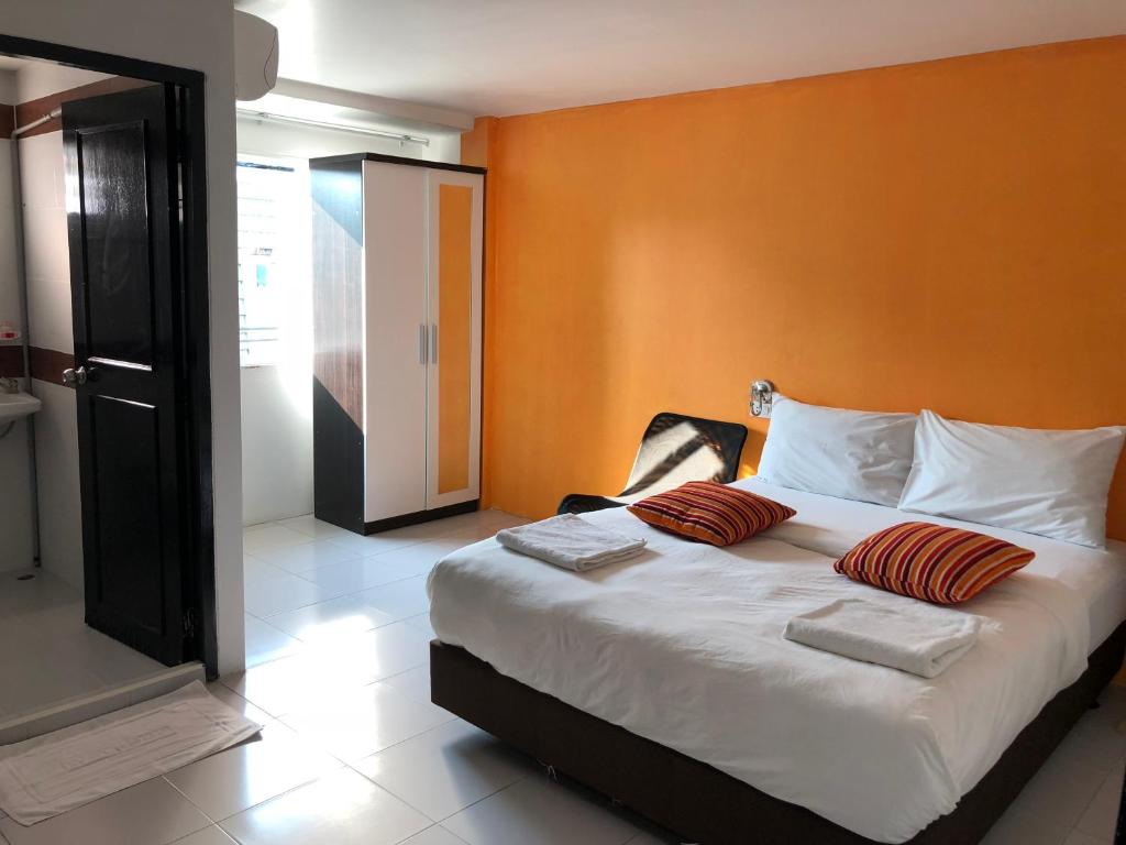 Chic Place hotel the chic place, pattaya central, thailand - booking