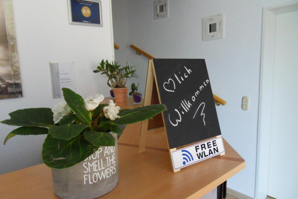 Bomann Kühlschrank Famila : Hotel garni am eckernweg deutschland celle booking.com