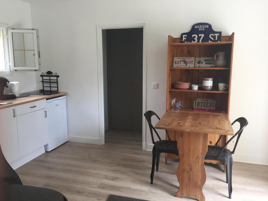 Apartments In Roquefort Les Pins Provence-alpes-côte D
