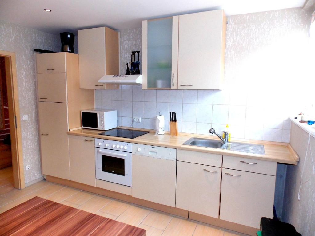 ferienwohnung unterkunft obermann deutschland duisburg. Black Bedroom Furniture Sets. Home Design Ideas