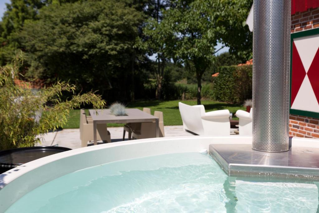 Vacation Home De Koolmees with Hot Tub & Sauna, Lievelde ...