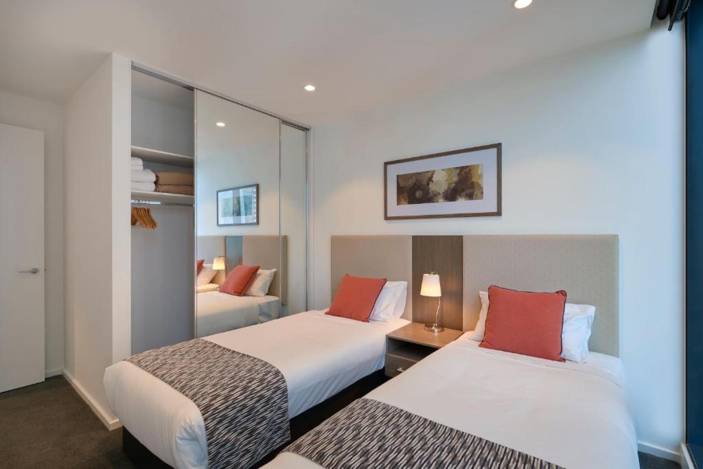 Condo Hotel Melbourne Short Stay Australia Booking Com