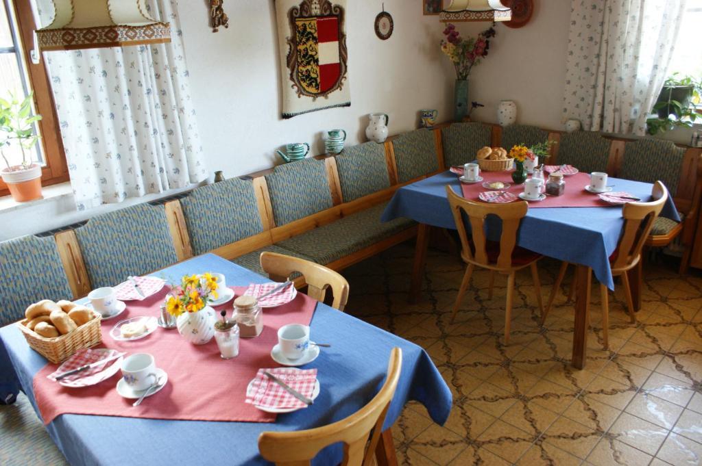 Mini Kühlschrank Hofer : Bauernhof landhaus hofer Österreich annenheim booking.com