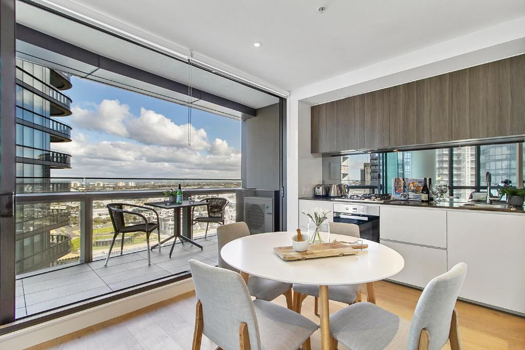 Apartment Ultra Modern Luxury With Views At Kai Waterfront