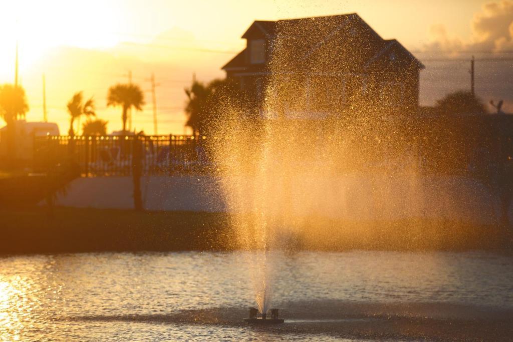 Stella Mare Rv Resort Galveston Tx Booking Com