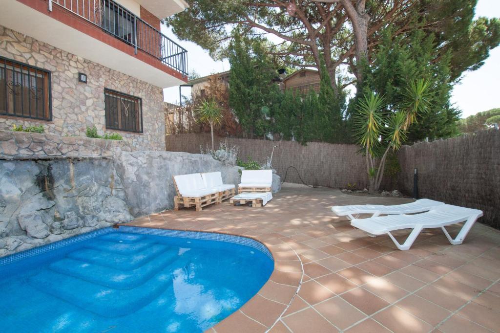 Villa Mas Carbo, Palafolls, Spain - Booking.com on