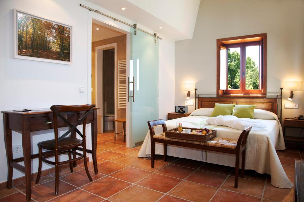 boutique hotels in sant felíu de pallarols  14