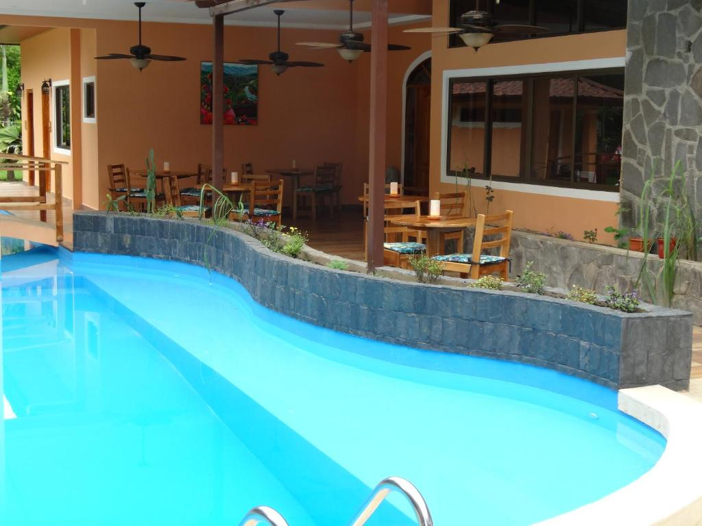 The swimming pool at or near Patampa