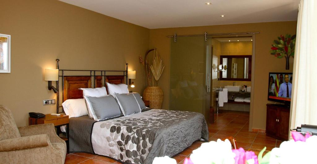 boutique hotels in sant felíu de pallarols  12