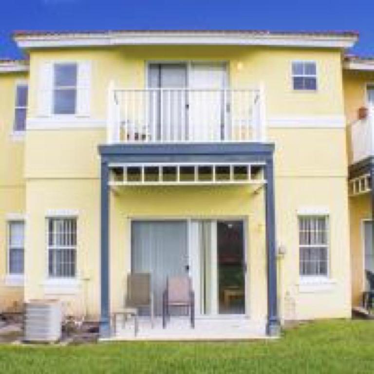 Brandy Chase Apartments: Villa Lake Berkley Townhomes By IPG, Kissimmee, FL