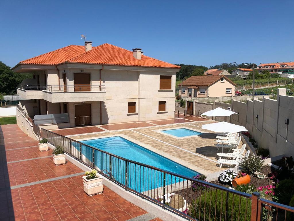 Apartamentos l a espa a portonovo - Apartamentos en portonovo con piscina ...