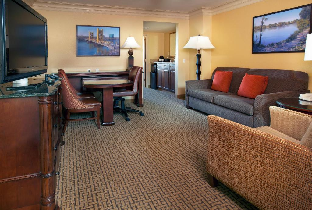 Emby Suites Sacramento Riverfront Promenade Updated 2018 Prices