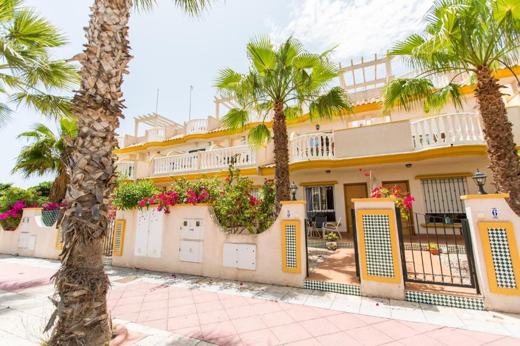 Coco Mat Kussen.Villa Cabo Roig Coco Mat Spanje Playas De Orihuela Booking Com