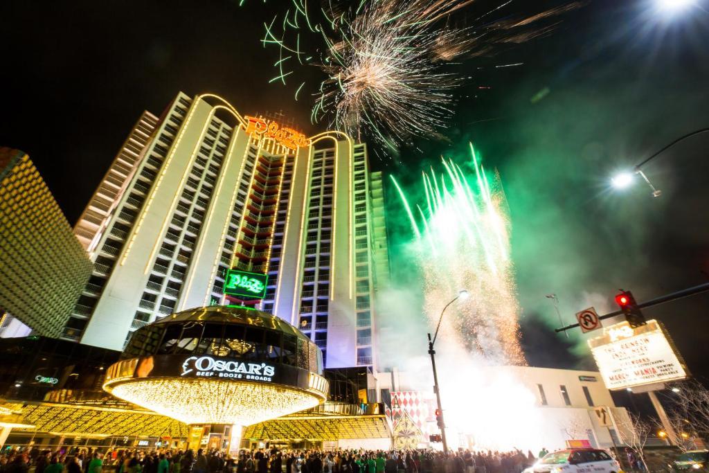 Plaza Hotel & Casino(プラザ ホテル & カジノ)の外観