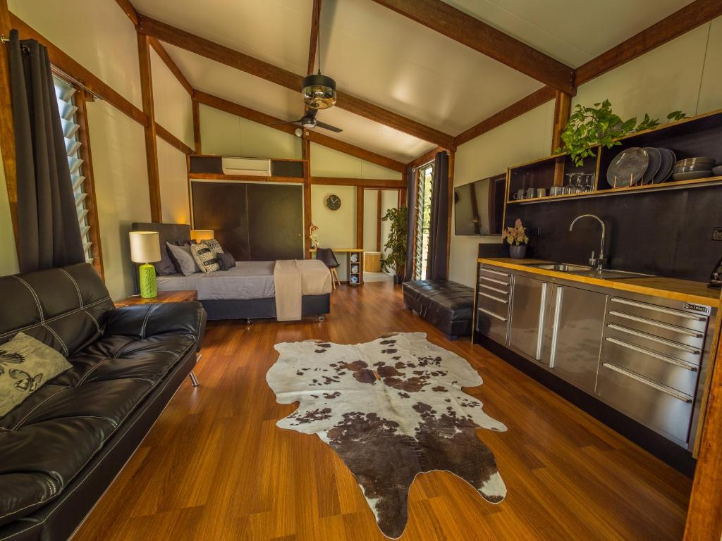 A seating area at Woodwark Bay Retreat Airlie Beach