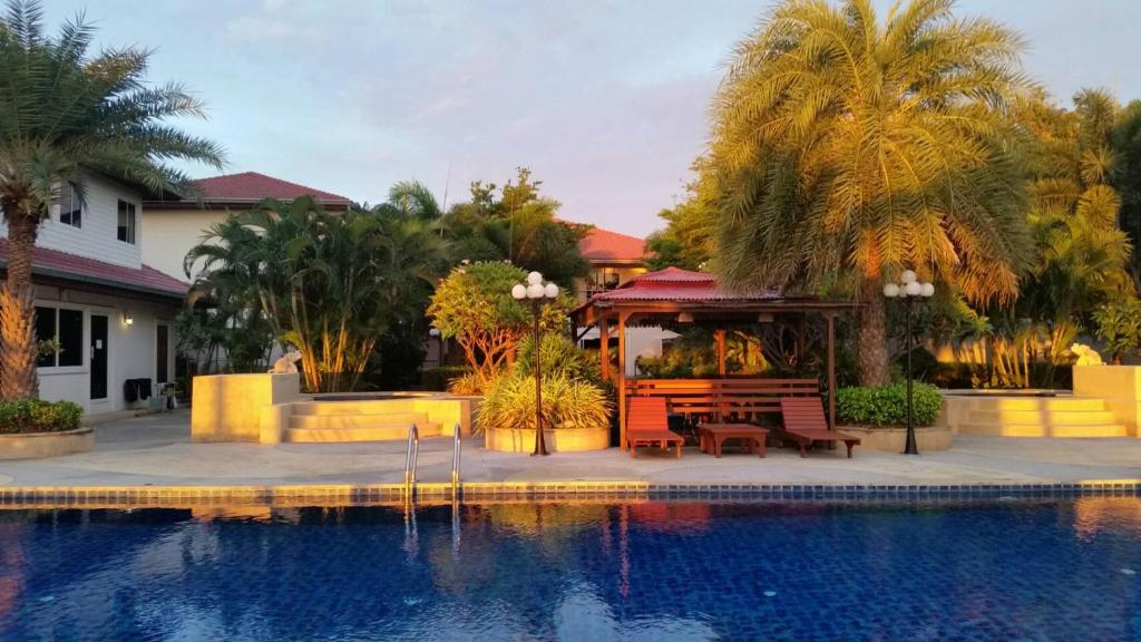 Serene Sands Resort, Bang Lamung, Thailand - Booking com