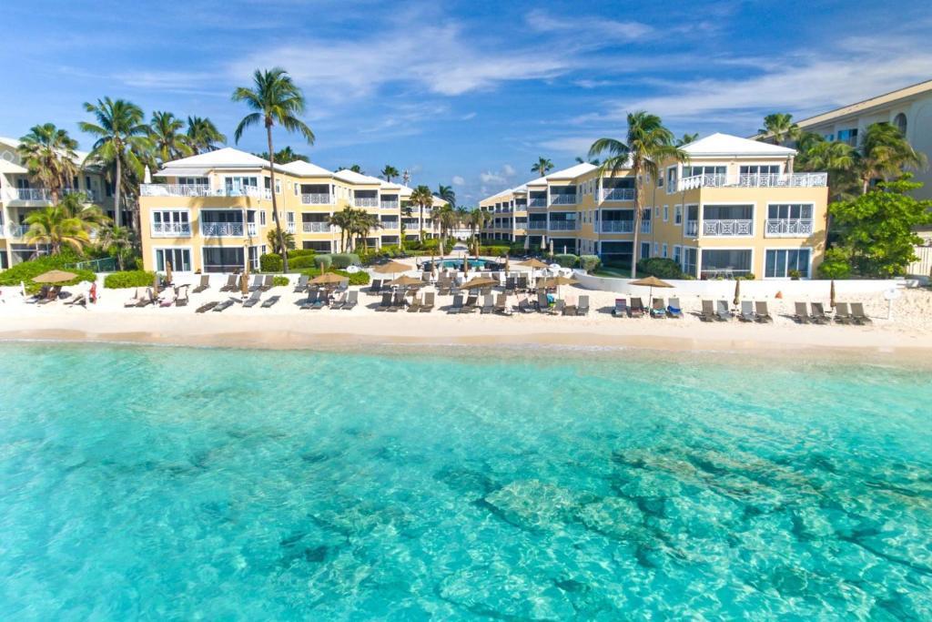 Grand Cayman Villas >> Regal Beach Club By Cayman Villas George Town Cayman Islands