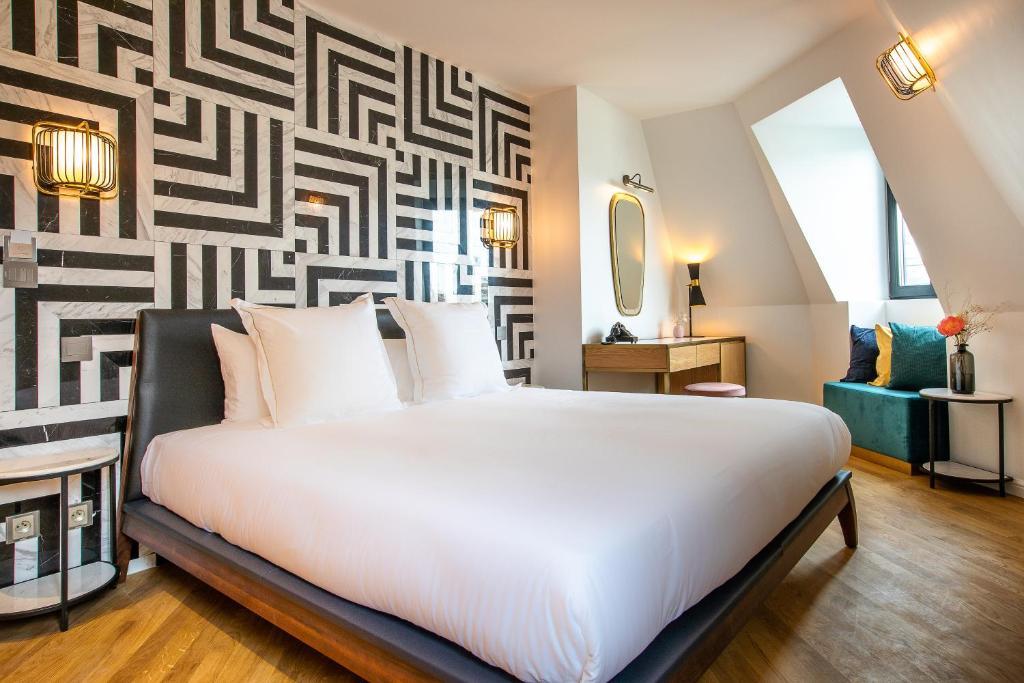 Hotel Rose Bourbon Frankreich Paris Booking Com