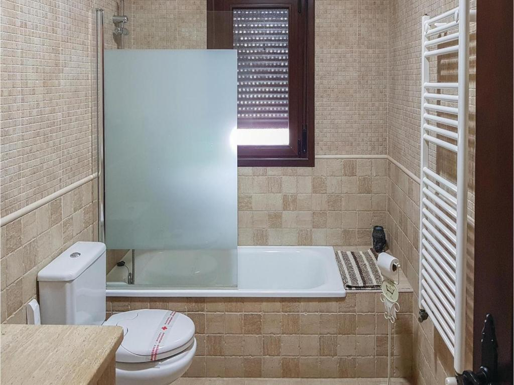 Four-Bedroom Holiday Home in Arriate, Spain - Booking.com