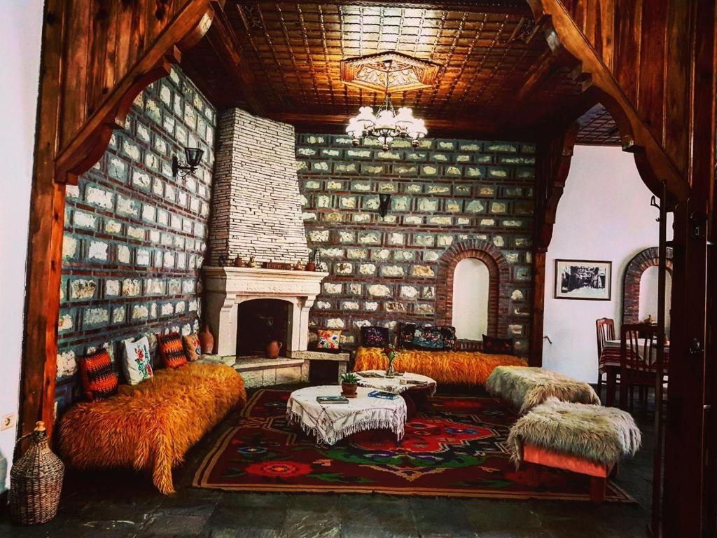 A seating area at Hotel Berati