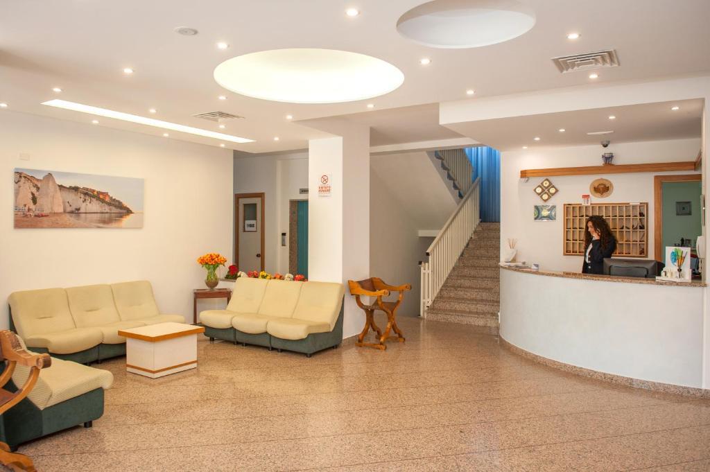 Hall o reception di Hotel Cristalda