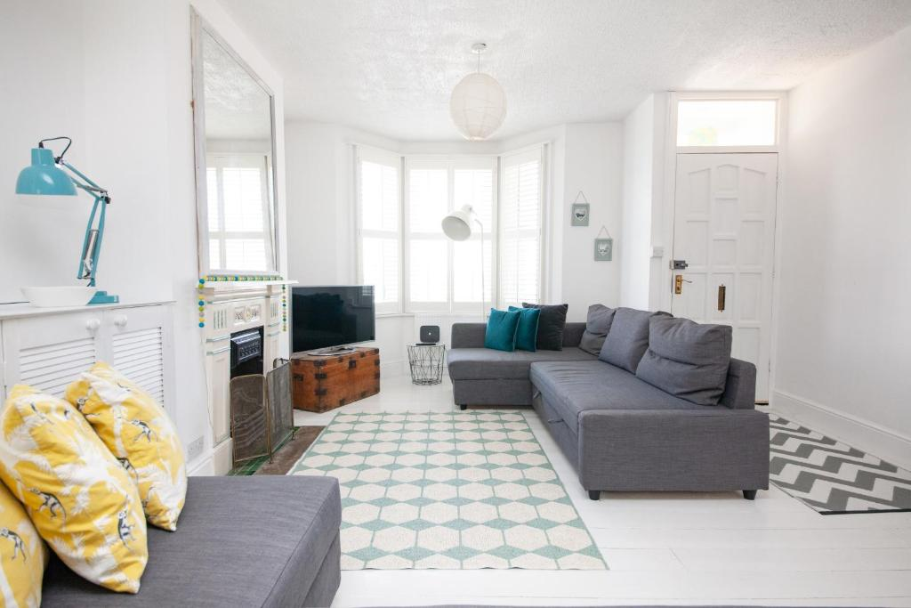 Beach Cottage, Worthing – Updated 2019 Prices on fitness packages, software packages, catering packages, bath packages, marketing packages,