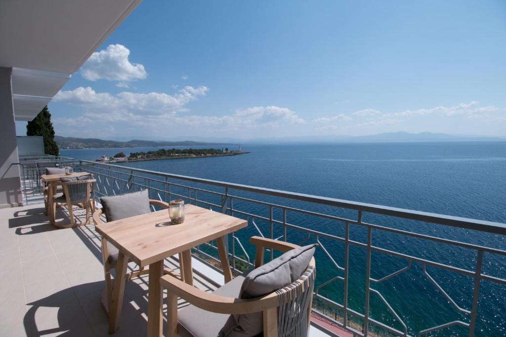 Vasca Da Bagno Infinity Prezzo : Infinity hotel gytheio gythio u2013 prezzi aggiornati per il 2019