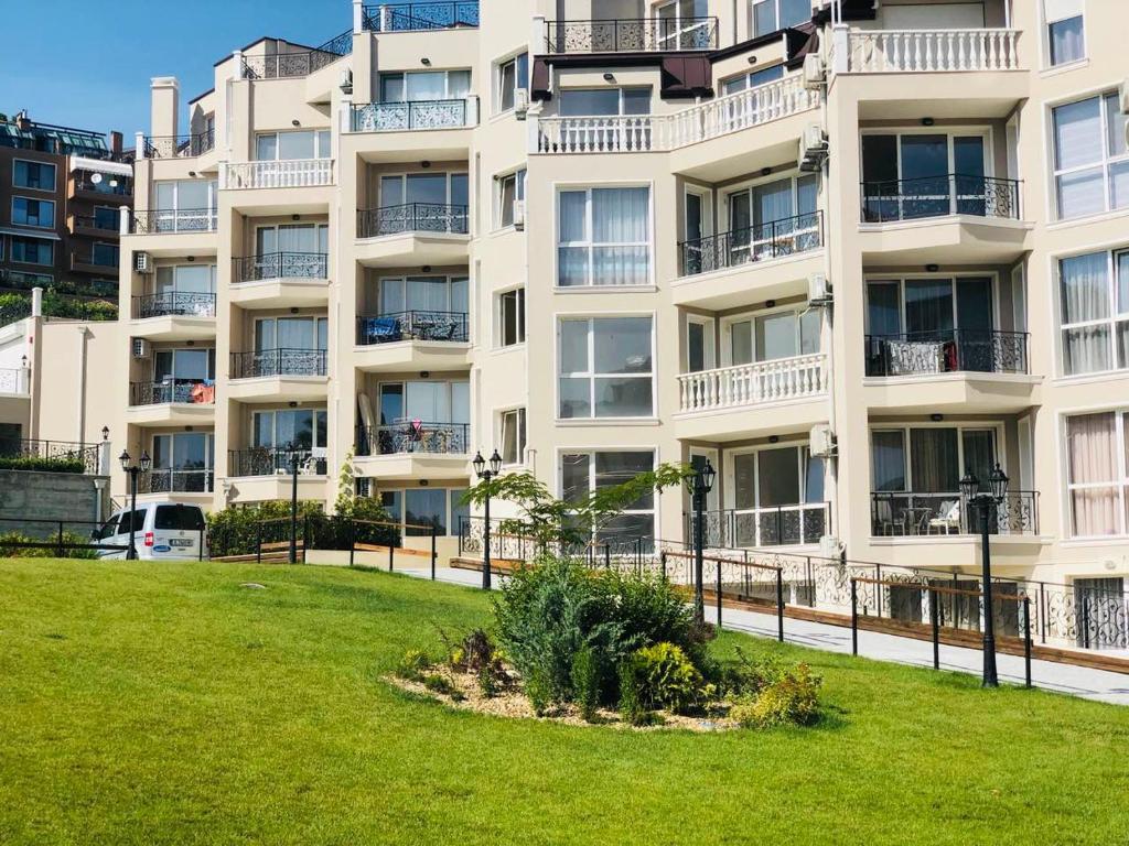 Апартамент Sea Garden Varna - Варна