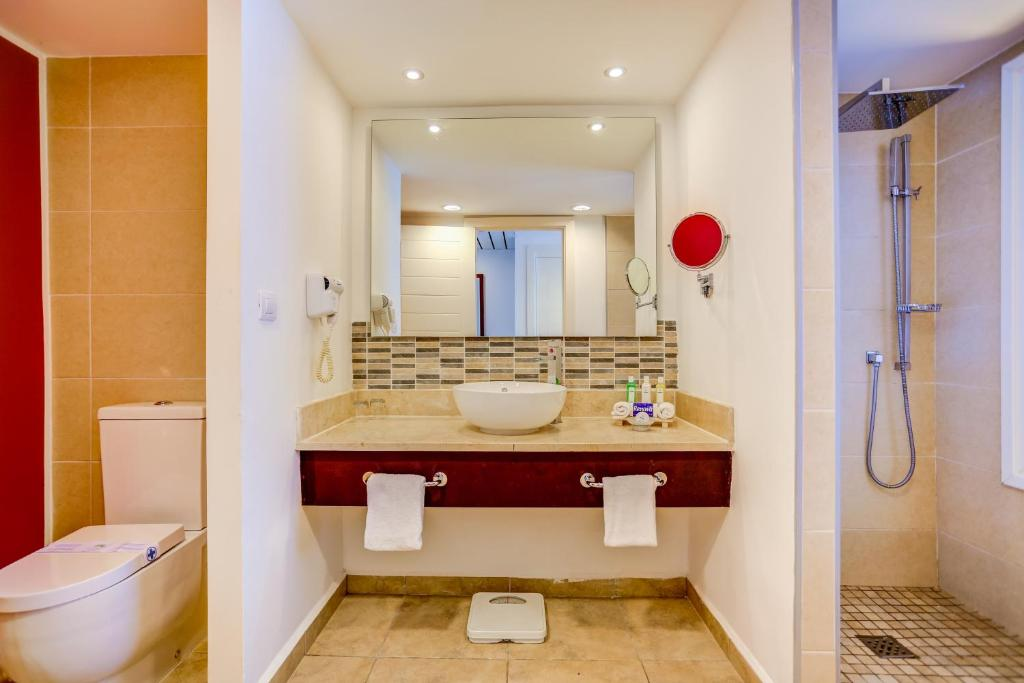 Hotel Valentin Perla Blanca - Adults Only (Kuba Cayo Santa Maria ...