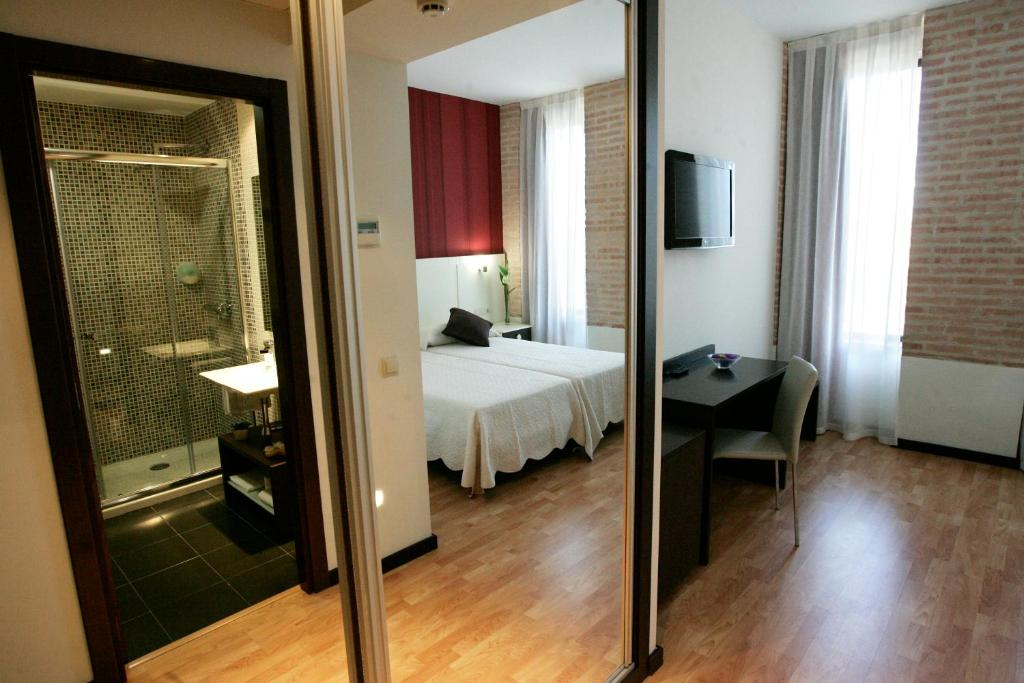 boutique hotels toledo  89