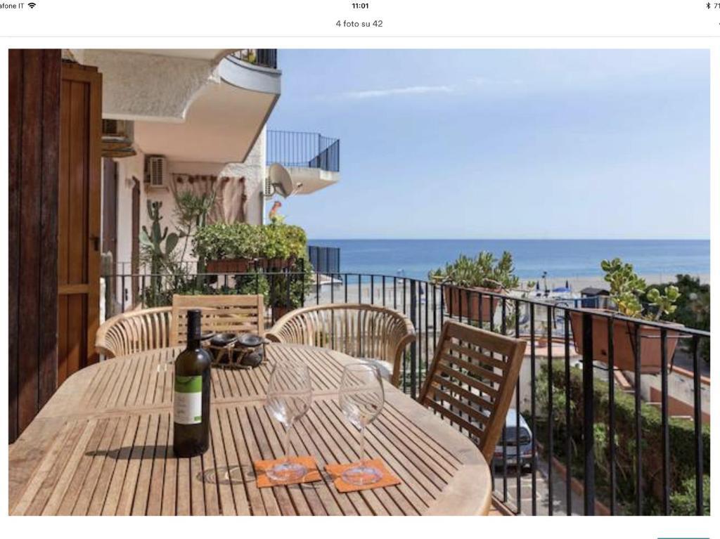 Apartment la casa di nello giardini naxos italy - Giardini di casa ...
