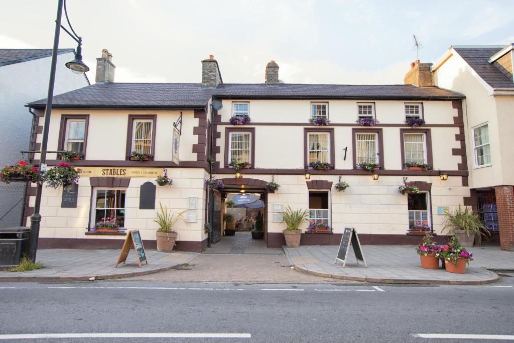 The Royal Oak Hotel Lampeter Uk Booking Com